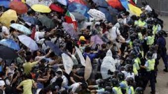 מחאת המטריות- מדינה אחת 2 שיטות